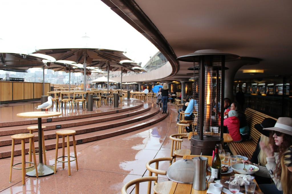 Restaurants and outdoor patios ring the Circular Quay