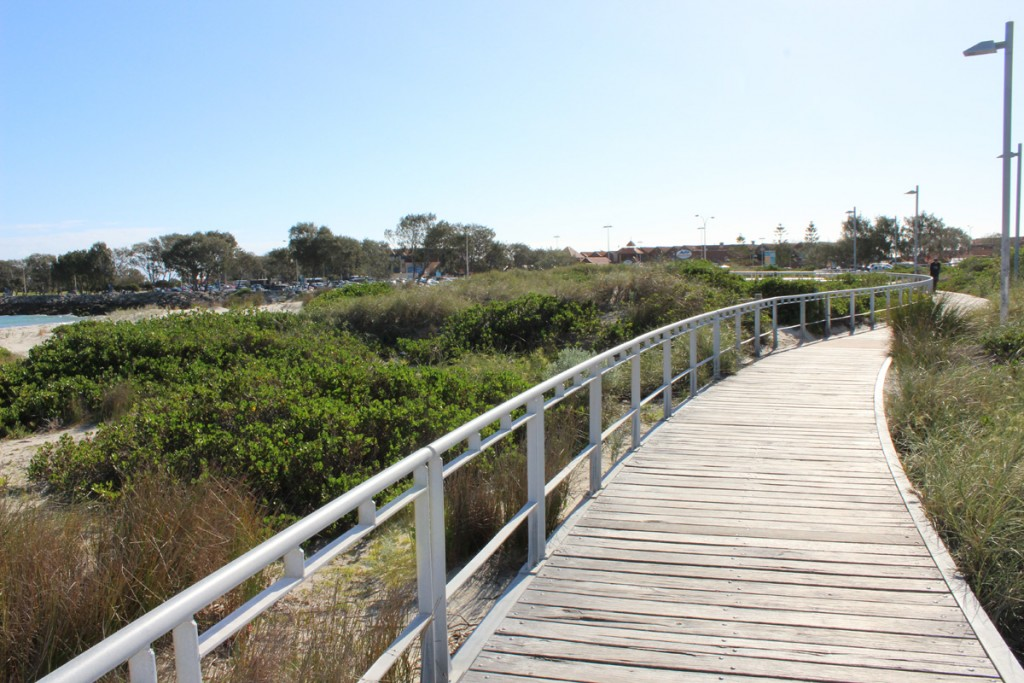 The boardwalk from Hillarys to Sorrento Beach.
